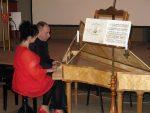 Wernisaż wystawy został uświetniony koncertem , grają Monika Schusser i Henryk Bączek.
