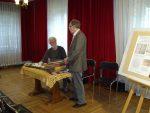 Błonie 25 kwietnia 2014. Ja siedzę, stoi Roman Nowoszewski organizator spotkania.